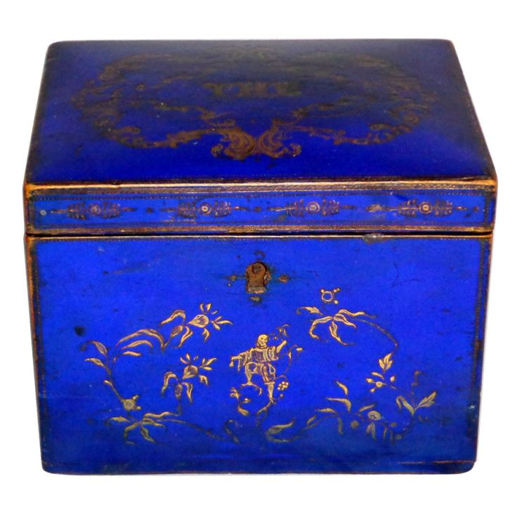 """Small Lapiz Tea Caddy with Asian Figures on the top with initials """"YHC"""" or """"THC"""", circa 1820-1840"""