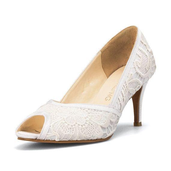 Wit snoer Lace bruiloft hakken, Custom Made hakken wit Kitten Heels, witte Lace bruids schoenen, witte Lace Trouwschoenen, 3 inch bruiloft hiel