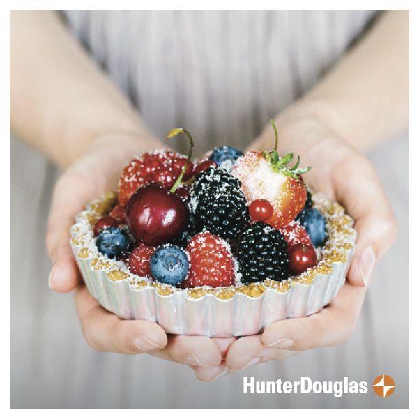 Siempre es momento para una delicia a mitad de semana! Qué te parece disfrutar una rica tartaleta de frutas? #HunterDouglas #Sweet #Berries
