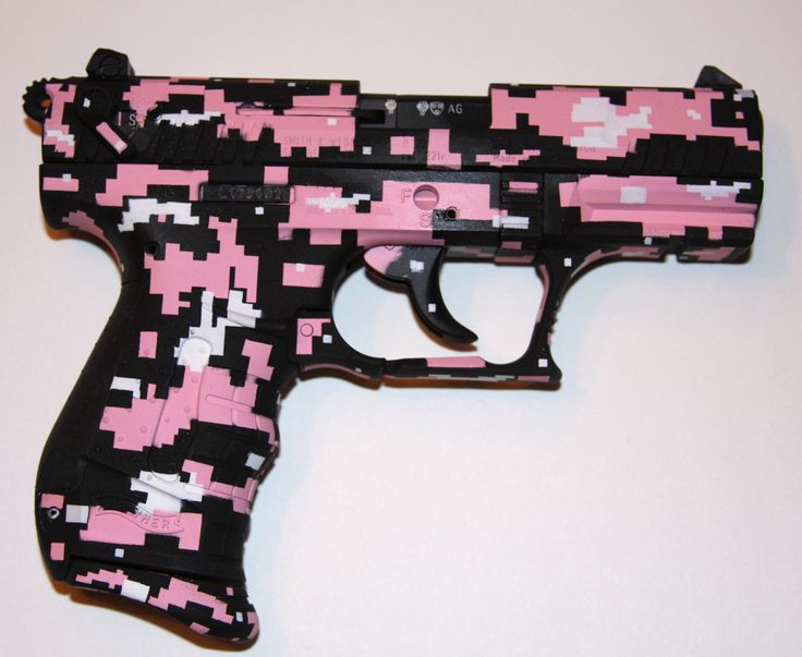 I find this Walther kind of hilarious! It's pink digital camo! Isn't camo supposed to help you blend in to your surroundings? I'm not to sure what you would blend into with this LOL!!!