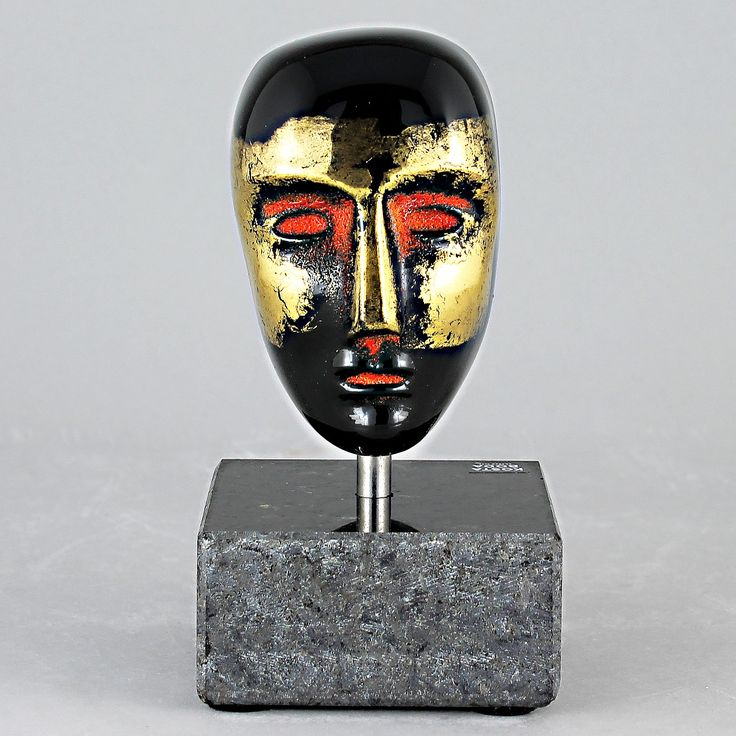 Bertil Vallien (Brains 21st Century) Fascinating Glass Head Oden with Stone Display