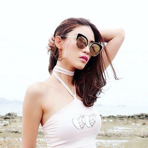 -스테판 크리스티앙-        stephane+ christian   2016 S/S 'ROCOCO'   NEW COLLECTION !     뷰티블로거 Jane Sriwilairit 입니다.  로코코 모델을 착용했습니다. 🌵#stephanechristian #스테판크리스티앙 #eyewear #sunglasses #선글라스 #ootd #데일리룩 #korea #model #fashion #dailylook