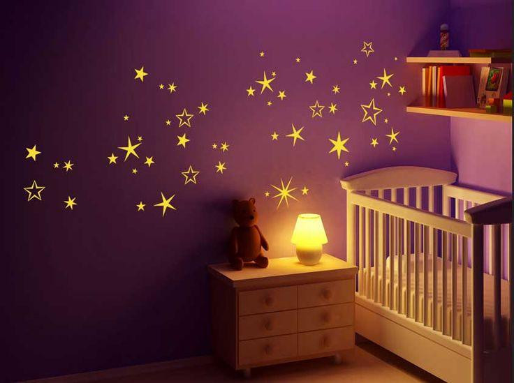 Marvelous Sch n wandtattoo babyzimmer mit lila wandfarben und komplett mit themen von gelb sterne f r dekoration wandtattoo