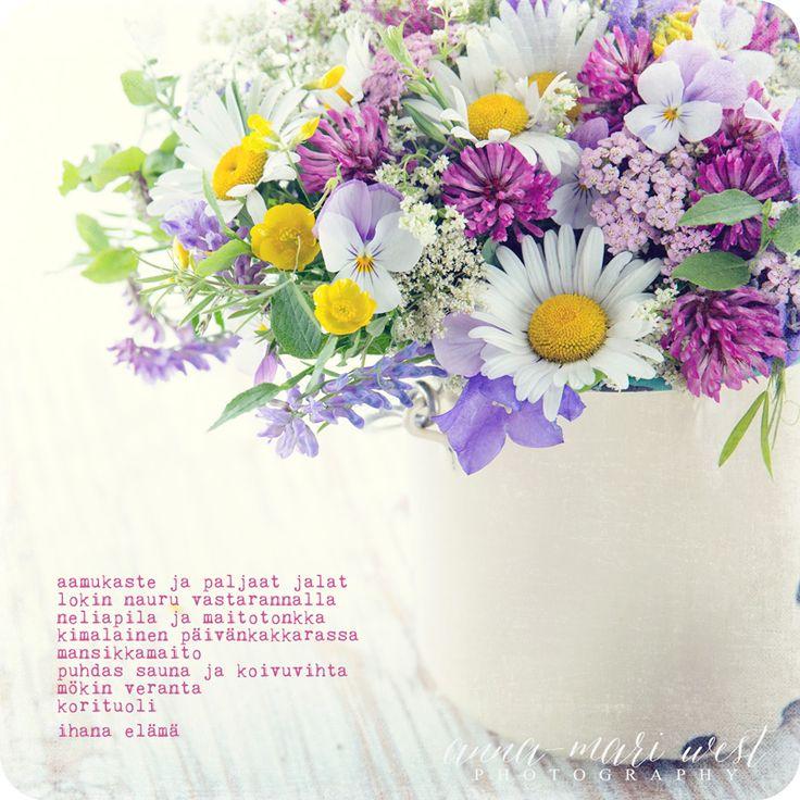 Kortti; Kesäkukkakimppu   Anna-Mari West Photography