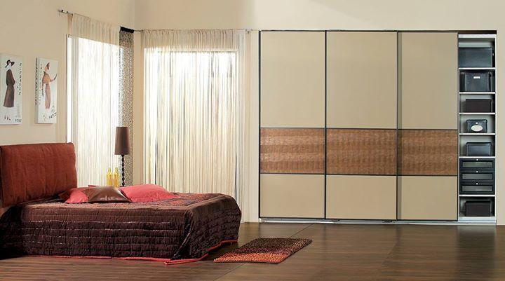 Γιατί να... ανοιγοκλείνετε πόρτες στο υπνοδωμάτιό σας; Ο χώρος σας είναι πολύτιμος! Οι συρόμενες ντουλάπες #Eliton δίνουν τη λύση προσφέροντας απίστευτη ευκολία και οργάνωση:  Έξυπνη εξοικονόμηση χώρου  Πανεύκολο άνοιγμα με ένα άγγιγμα  Αθόρυβος μηχανισμός μεγάλης αντοχής και φυσικά  Εντοιχισμός στα μέτρα του χώρου σας Θέλετε να τις δείτε από κοντά; Σας περιμένουμε στο Γέρακα στην Κηφισιά ή στη Γλυφάδα!  210 5578067-70