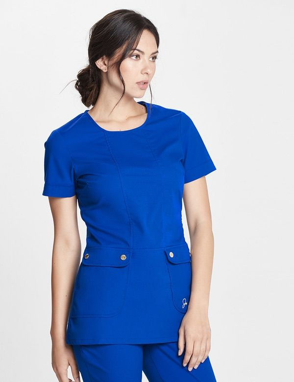The Snap Pocket Tunic in Royal Blue is a contemporary addition to women's medical scrub outfits. Shop Jaanuu for scrubs, lab coats and other medical apparel.