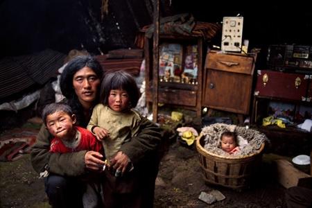Tibetan family in Kham #NomadsSecrets