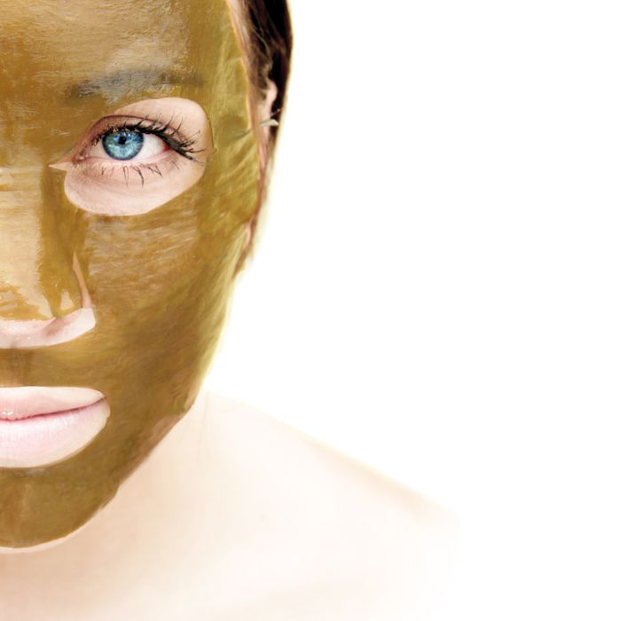 The BeautyStrips™ mask begins with a genuine base of pure, naturally-sourced kelp seaweed whose creation consists of more than 1300 hours of hand-crafted care. Alone, seaweed naturally provides the minerals and nutrients necessary to calm, smooth, nourish and hydrate your skin. Combined with another 31 natural ingredients designed to lift, tighten, reduce impurities and tone skin, the BeautyStrips mask will revolutionize your beauty regimen.