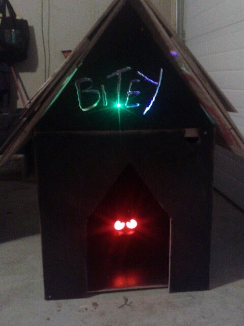 love this idea shaking hedge eyes can usually be found at big lots new halloween prop haunted doghouse with haunted hedge eyes inside - Big Lots Halloween Decorations