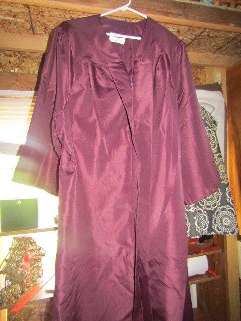 "Jostens Maroon Graduation Robe 5'4"" 5' 6"""