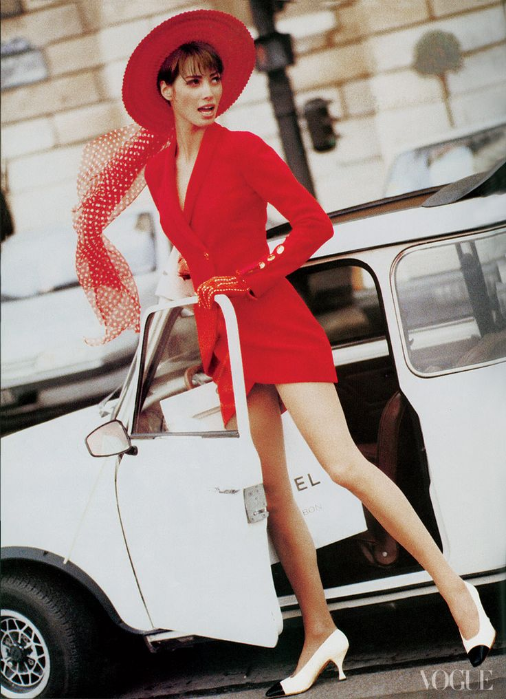 Christy Turlington. The Vogue 120: The Magazine's Most Iconic Models.