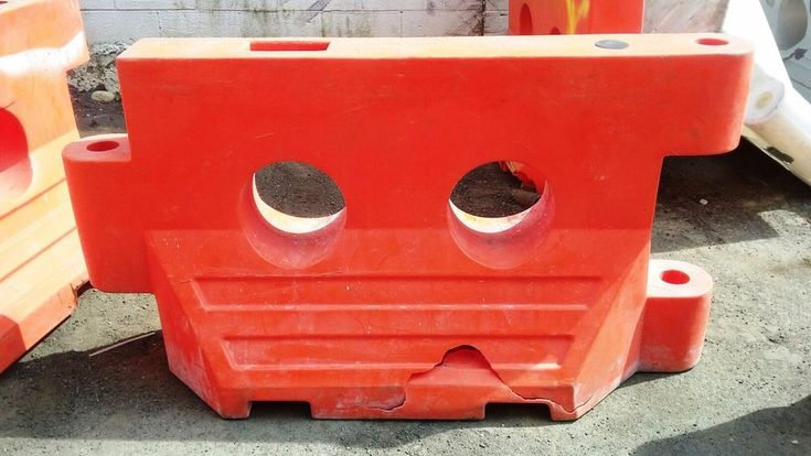 Construction Traffic Water Barriers Jersey Barriers - Plastic - Used - Cracks  #ATMTrafficSystems