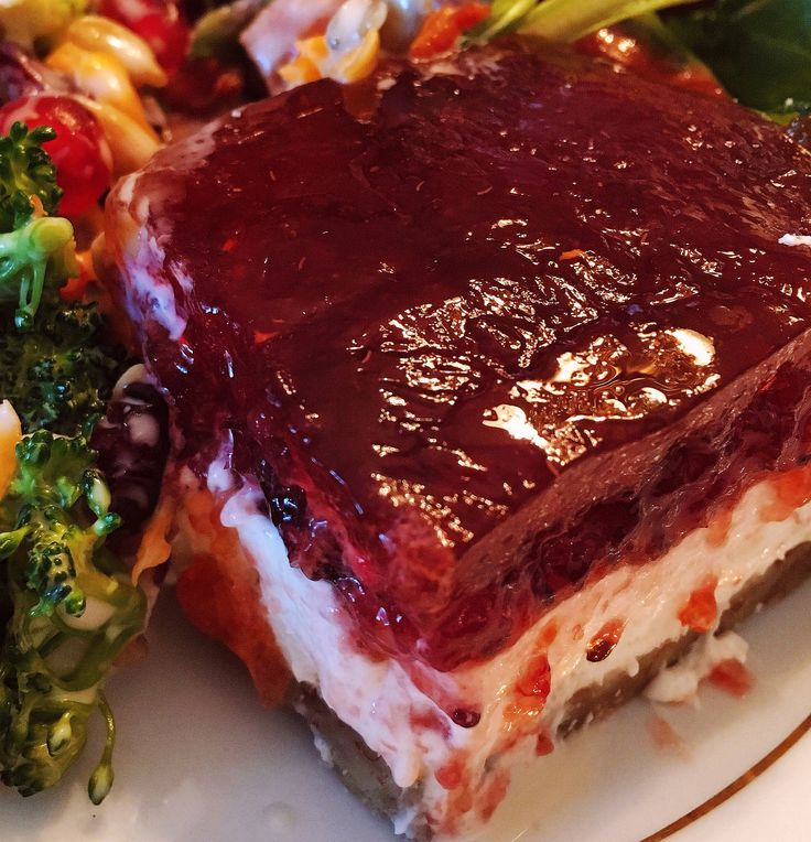 Not to sound like a broken record…but…the side dishes make the meal! Seriously! What is Turkey without stuffing, mashed potatoes, cranberry sauce, candied yams, homemade buttery rolls, …
