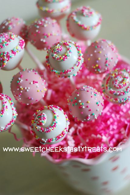 cake pops essay How to make cake pops cupcakes might be delicious but cake pops are delicious and a lot more fun cake pops are a sweet treat consisting of cake turned.