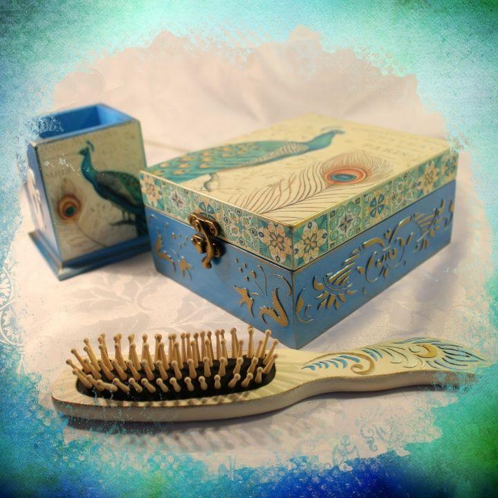 "Boxes set ""Peacock Beauty"".  Box 20x15 cm., Stick 8x8x10 cm., Wooden hair brush."