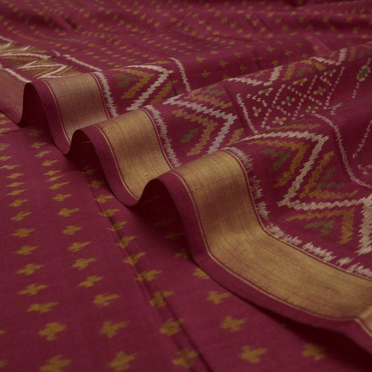 Handwoven Crimson Colour Patola Silk Sari with Zigzag Design 900512108