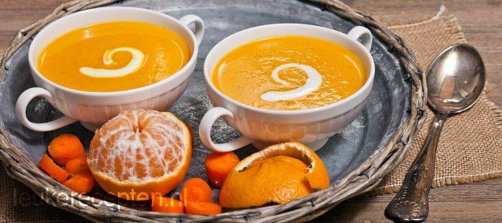 wortel sinaasappelsoep, Frisse en gezonde soep met wortel en appeltjes van oranje die ook erg leuk is om tijdens sinterklaasavond te serveren