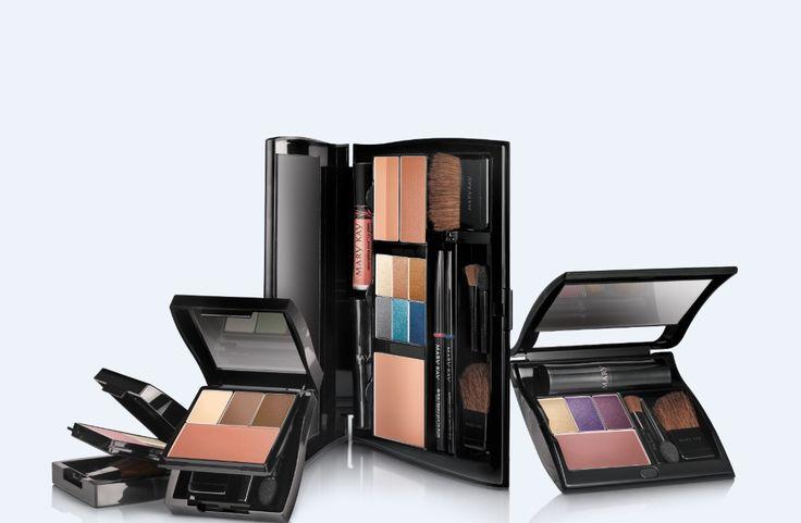 Tu decides que sombras , rubores , labiales , bronceadores o maquillajes deceas tener.