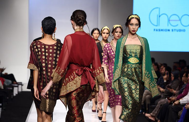KLFW'14 - Ghea Panggabean & Radzuan Radziwill Brand : Ghea Panggabean & Radzuan Radziwill Venue : Pavilion, Malaysia Date/Time : 18 June 2014, 19.30 Pls follow all news and images at ThaiCatwalk : http://thaicatwalk.com/?p=56564