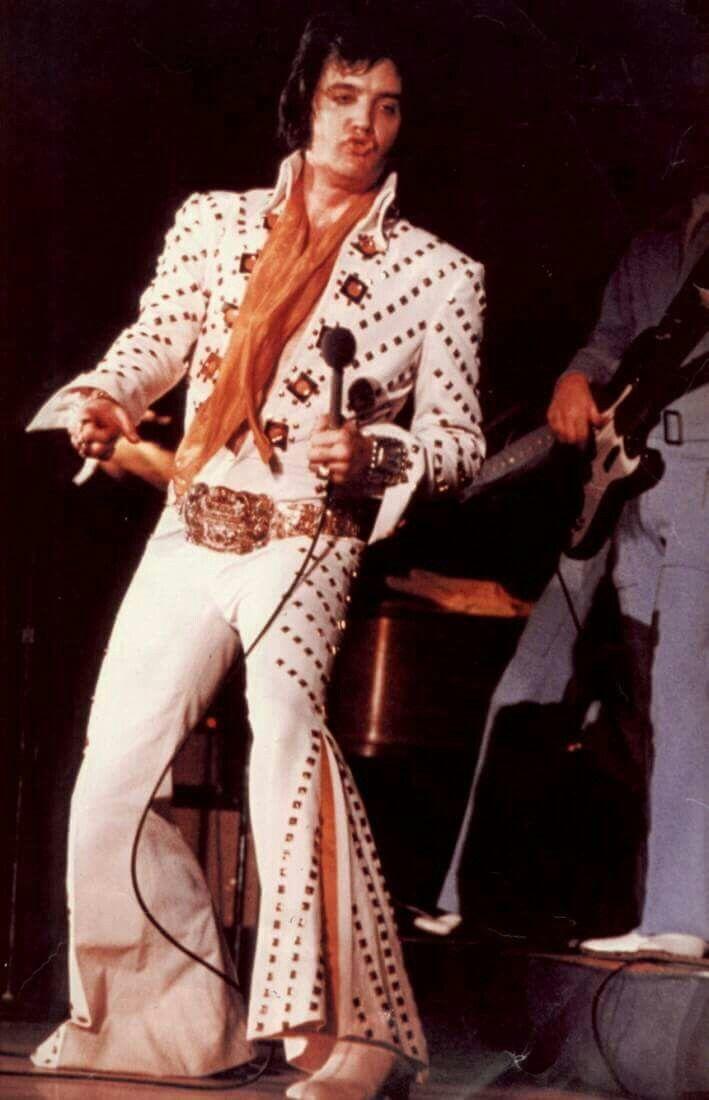 1972 - Elvis In Concert - ⚡