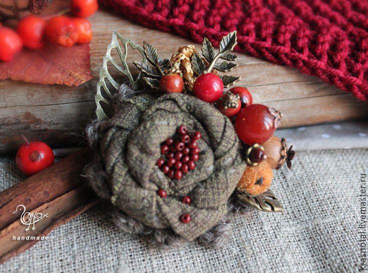 """Купить Осенняя брошь с ягодами """"Угощаю рябиной"""" - брошь с камнями, брошь цветочная, рыжий, красный"""