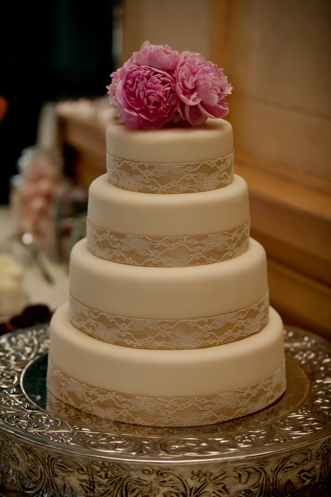 46 best images about wedding cakes-mix textures on ...