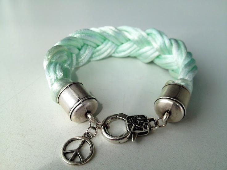 lilyPad: Another DIY Bracelet