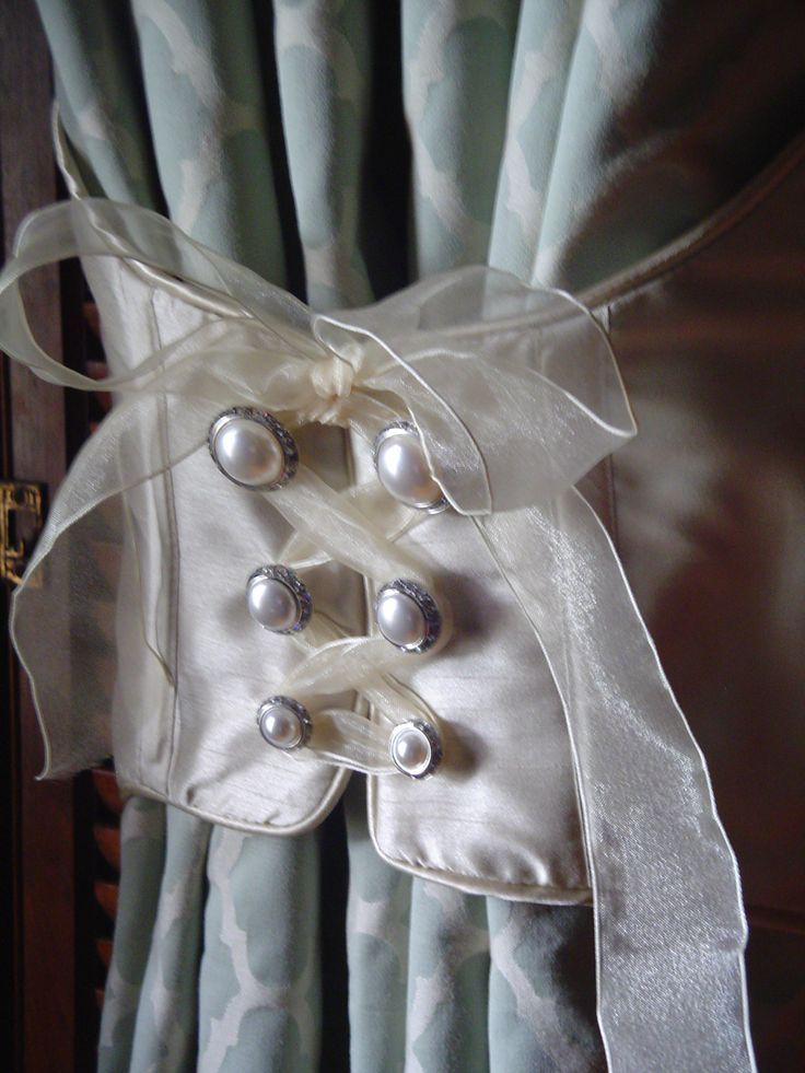 corset tie back: