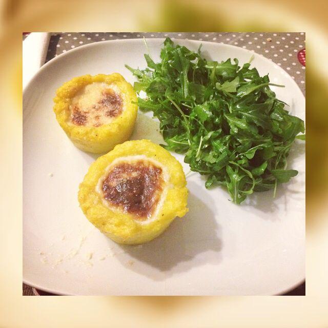 Cestini di polenta con fonduta di gorgonzola e panna
