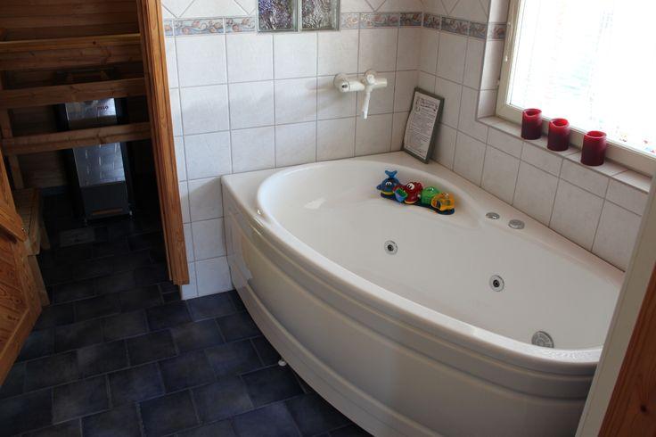 Poreamme kylpyhuoneessa #talomyynnissä #talo #myytävänä #houseforsale #Punkaharju