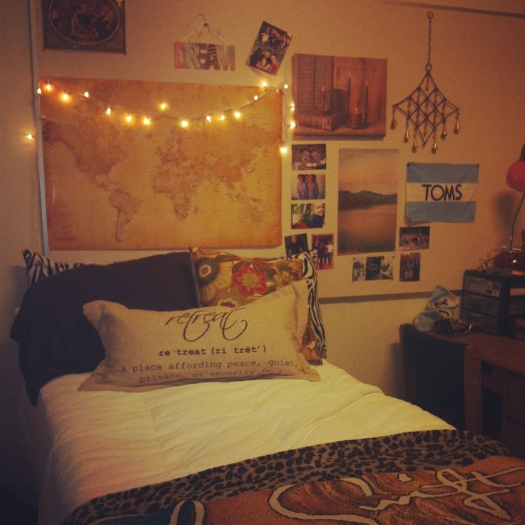 Just another vintage dorm room #dorm #dormlife #college