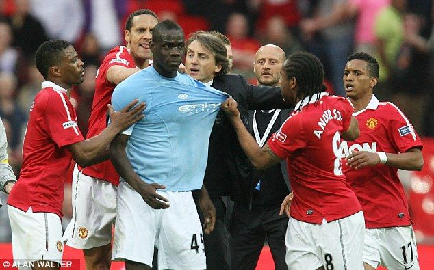 Manchester United players react badly to Balotelli's celebrations