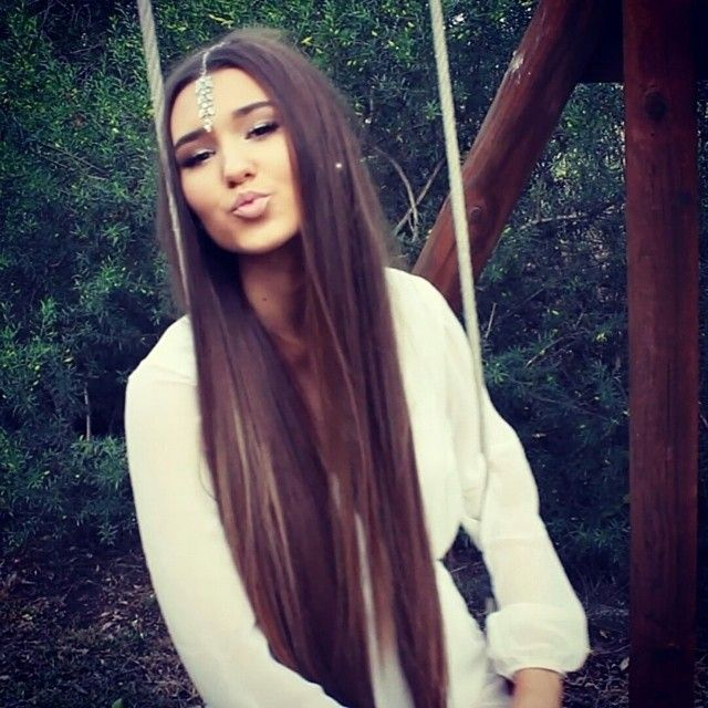 "Shani Grimmond in her 26"" chestnut brown zala clip in hair extensions and crystal droplet <3"