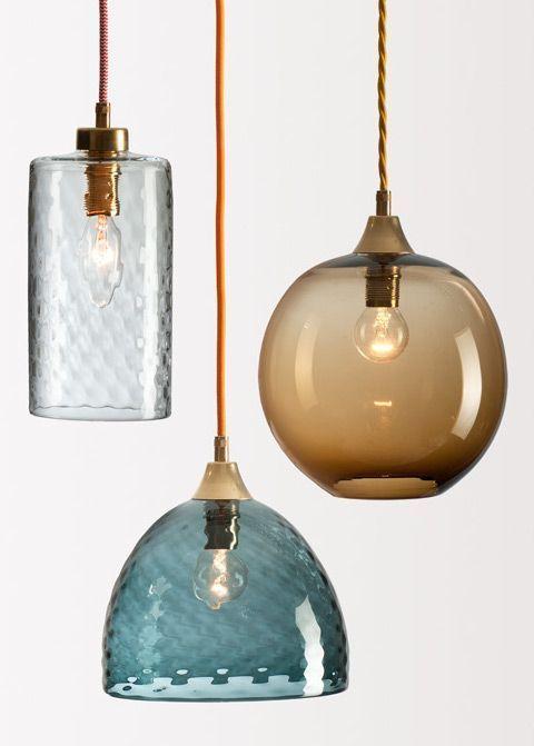 Casinha colorida: Tendência: lustres articulados, pendentes e luminárias de vidro (Blown Glass)