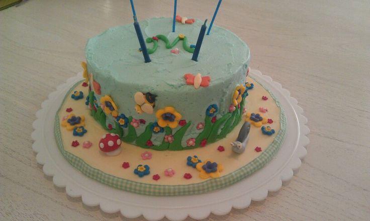 Pretty garden cake