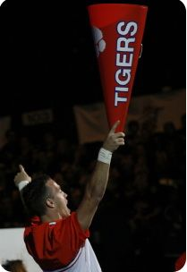 Male Cheerleaders – Making the Transition to College Cheerleading