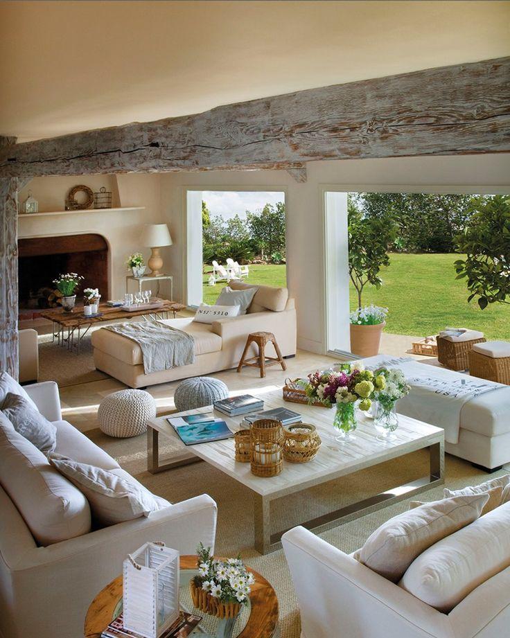 Um mix de sala de estar com varanda. Um luxo