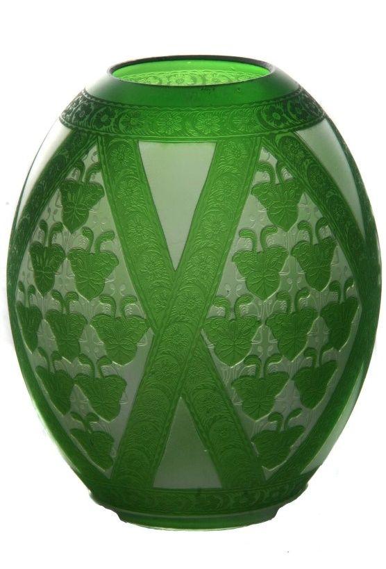 Stínítko z čirého skla přejímaného zeleným sklem , před r. 1910 , S. Reich & Co.