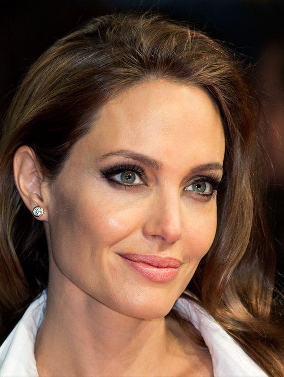 Diamond Stud Earrings Angelina Jolie 2017 Street Style