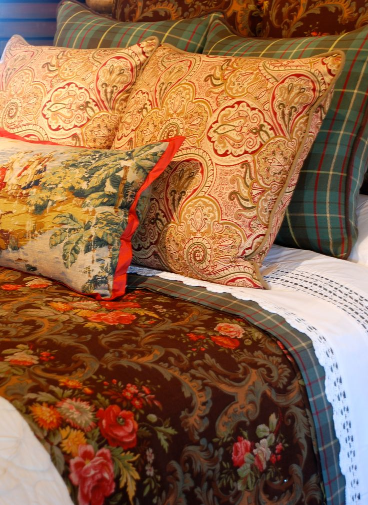 top 25 ideas about favorite fabric combinations on pinterest fabrics sinks and toile. Black Bedroom Furniture Sets. Home Design Ideas