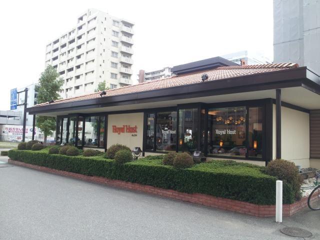 Diner restaurnt  http://tabelog.com/osaka/A2701/A270105/27061116/    ロイヤルホスト あみだ池店