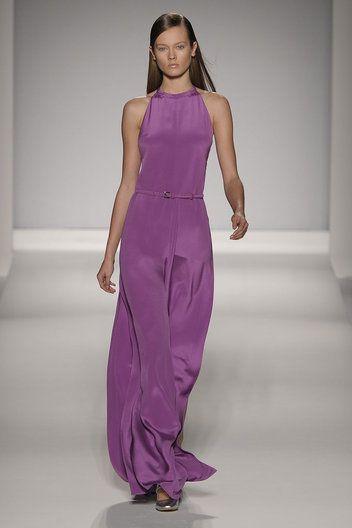 Un viola delicato per la donna moderna: Style Woman, Summer Fashion, 2011 Fashion, Gowns, Fashion Covers, Fashion Trends, Fashion Favorite