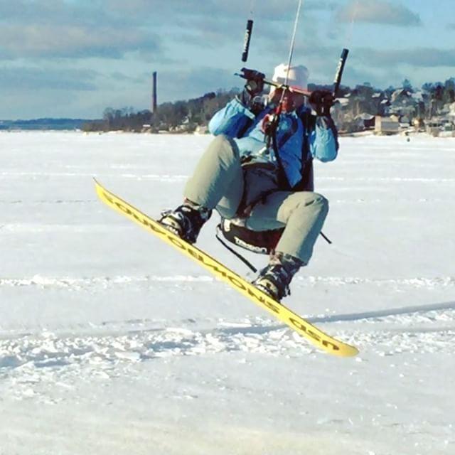 From oleg_makaninВолга , ветер, катаем, адреналин , просто пиздец !!! Ветер 10-14 м/с ! Настроение на максимум ! Катаем на новом кайте takoon furia 2 , 13 метров ! #кайт #кайтсерфинг #сноуборд #сноукайтинг #сноукайтсерфинг #kite #kitesurfing #kiteboard #snowkiteboarding #snowkite #gopro #gopro4 #иваново37 #takoon #snowkiteboarding #sport #жизньвкайф #cabrinha #rebel #north #fone #myparadise #music #show #serf #board #wind #crazy #crazyfly #впечатления…