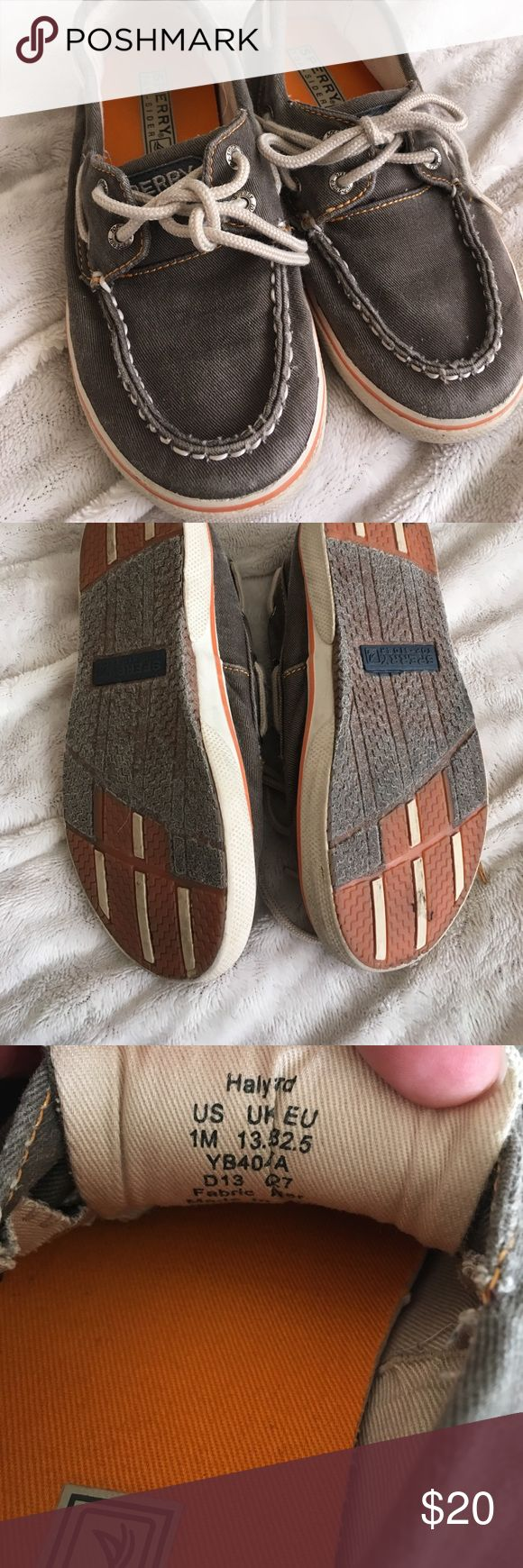 Kids size 1 Sperry Top-Siders boat shoes Super cute shoes for kids. Looks so good with all types of shorts and pants. Any little fella will look spiffy in these! Sperry Top-Sider Shoes