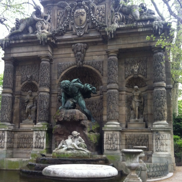 La fontaine m dicis au jardin du luxembourg paris je for Jardin du luxembourg hours