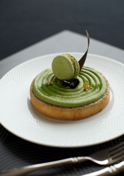 Matcha Tart   I don't know if it's vegan or not but I don't think so. But it's a beautiful tart, isn't it?