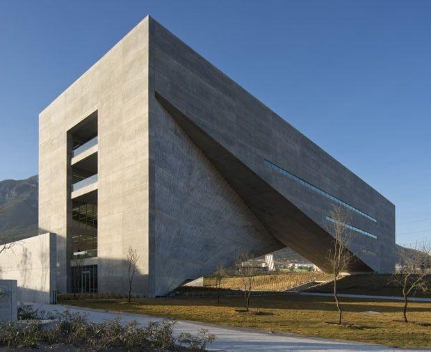 Centro Roberto Garza Sada at UDEM | Monterrey, Mexico | Tadao Ando | photo by divulgação