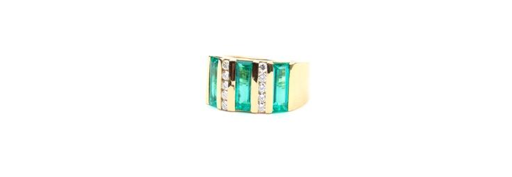 #Emerald #Diamond #Rings #Gold 18K  Rings | Joyeria Cesareo