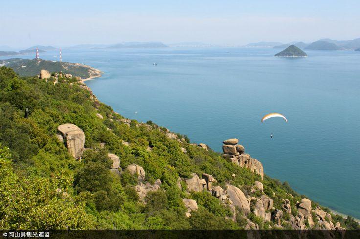 【岡山県 王子が岳】花崗岩の山肌に巨石や奇岩が今にも落ちかかろうとする独特の山容をもつ標高234mの王子が岳は、穏やかな瀬戸内海や瀬戸大橋、四国の山々が一望できる景勝地。山頂付近にはパラグライダーのフライトエリアがあります。 http://www.okayama-kanko.jp/modules/kankouinfo/pub_kihon_detail.php?sel_id=575&sel_data_kbn=0 #Okayama_Japan #Setouchi