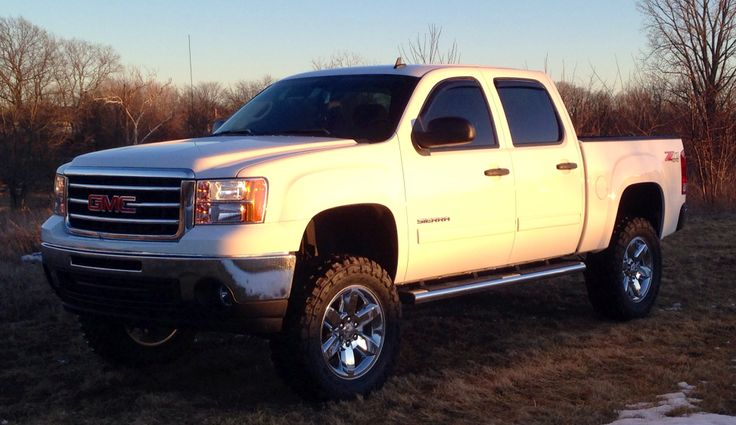 "Cheap Rims Packages >> My truck 2013 GMC Sierra on 7.5"" Rough Country Lift Kit, 20"" Factory rims and 35"" Toyo MT Mud ..."